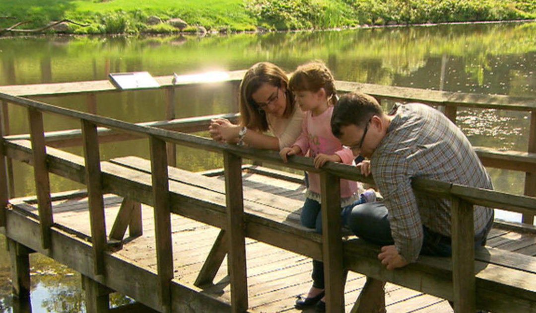 "Ohio family creates ""visual bucket list"" for daughter going blind"